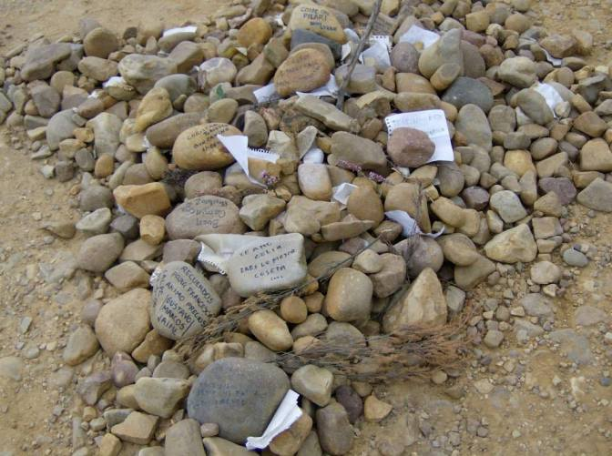 Messages written on rocks from previous pilgrims over the years